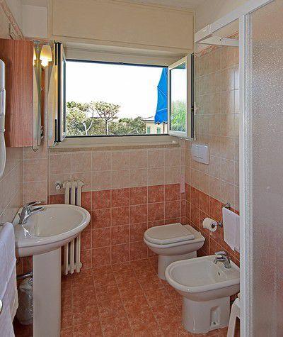 Foto ed ambienti hotel areion di forte dei marmi foto camere hotel forte dei marmi - Bagno piero forte dei marmi prezzi ...